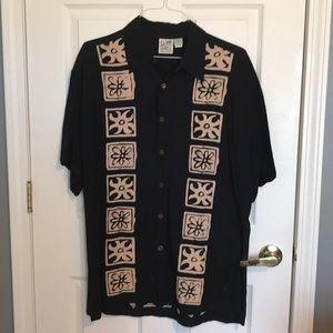 TravelSmith Hawaiian Inspired Shirt